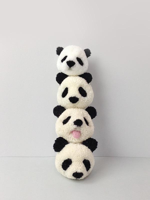 How to make a panda pompom