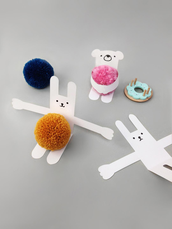pompom-valentines-day-card-craft-for-kids-pom-maker-mrprintables-6